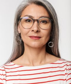 image-of-adult-mature-woman-with-long-gray-hair-we-K6TJAMW.jpg